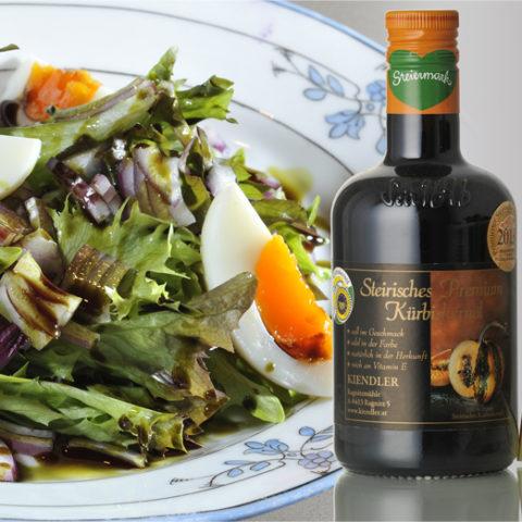 Steirisch-schenken Werbegeschenk Give-Away Kernöl Kiendler im Glas mit Salat