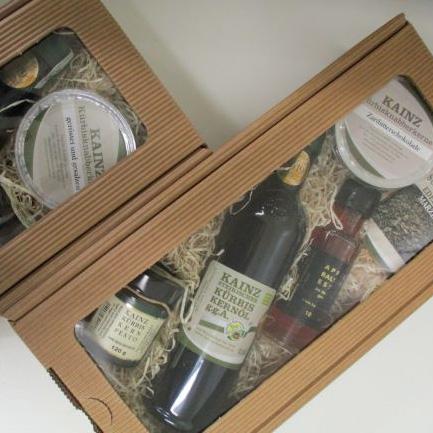 Kainz Kernöl Geschenkkarton mit Kürbiskernöl, Pesto und Schokolade