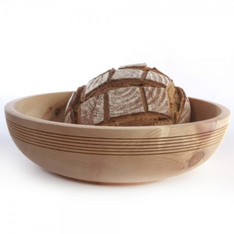 Lukas Lettmayer Schale aus Zirbenholz für Brot und mehr